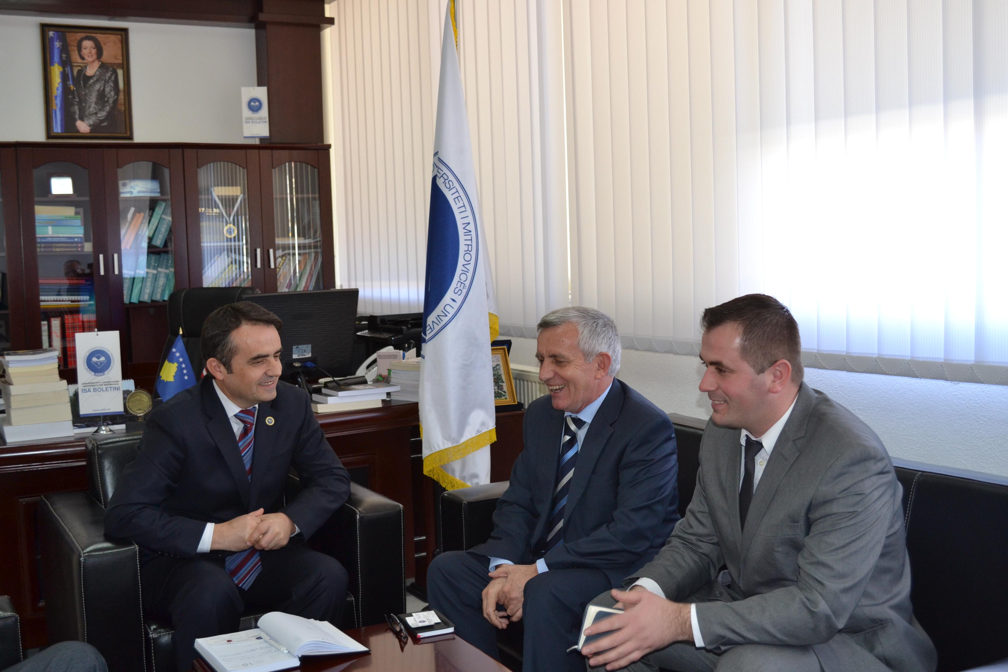 Me Ambasadorin Shqiptar