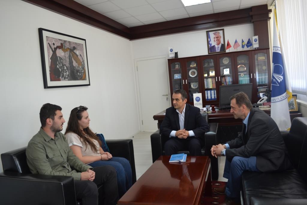 Tre Studentë Të UMIB-it Përfunduan Masterin Në Bullgari