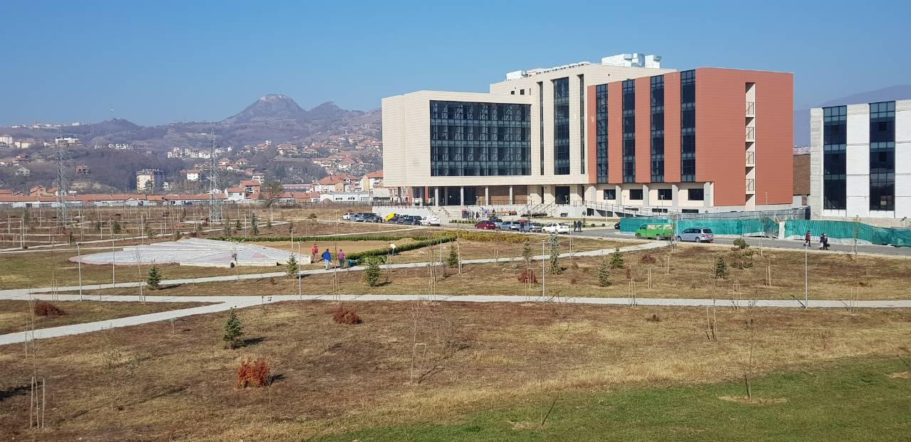 """Fillojnë Ligjëratat Në Objektin Ri Të Universitetit """"Isa Boletini"""" Në Mitrovicë"""