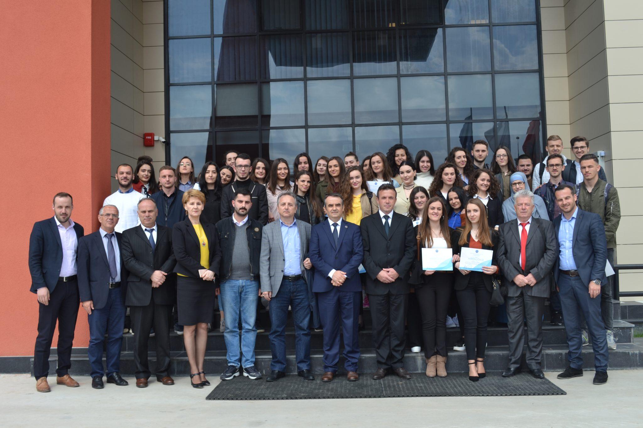Mirënjohje Për Studentët Që Kanë Përfituar Bursat Për Vitin Akademik 2017/18