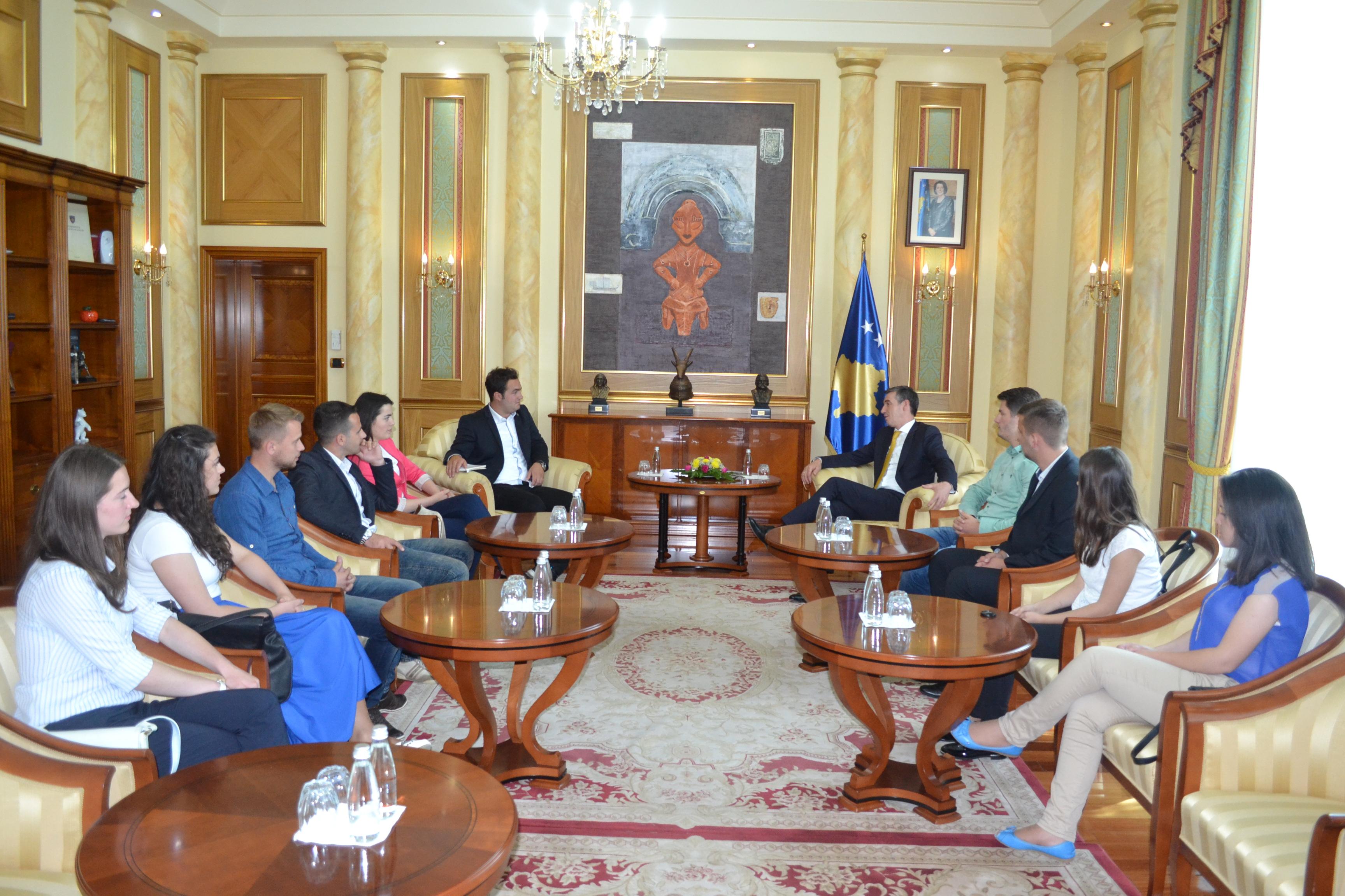 Parlamenti Studentor Gjatë Vizitës Në Kuvendin E Kosovës