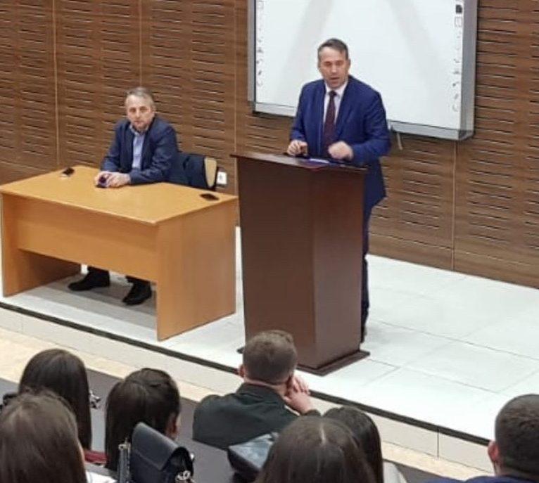 Dr.sc.Bahri Hyseni mbajti një ligjëratë me studentët e Fakultetit Juridik
